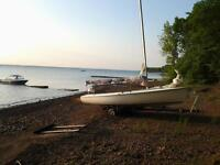 16 foot Tanzer sail boat with trailor