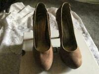 259802bd0a534 New look ladies heels shoes suede beige Size 6 39 Used one time £7