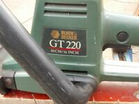BLACK AND DECKER GT 220 CORDED HEDGETRIMMER IN GOOD CONDITION. MATLOCK OR NOTTINGHAM PICKUP