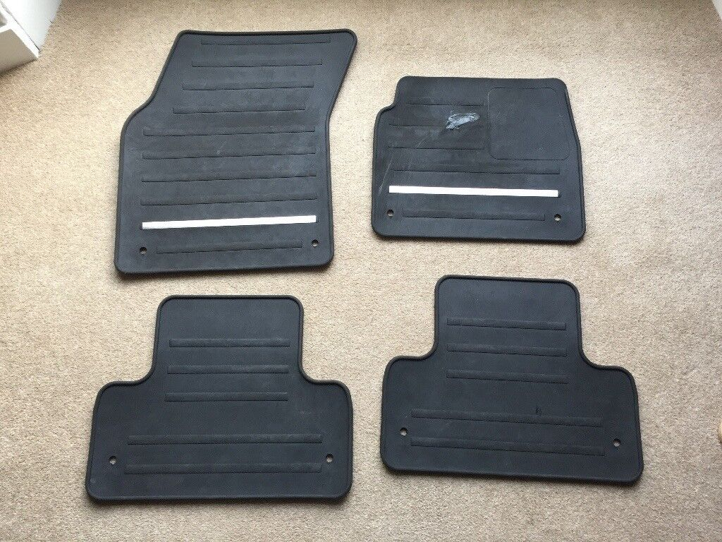 Set of Range Rover Evoque Rubber Floor Mats