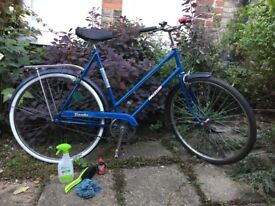 Raleigh Traveller vintage women's bicycle from 1982