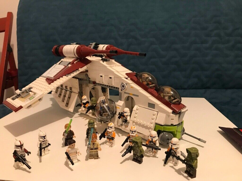 Lego Star Wars Republic Gunship And Droid Transporter In