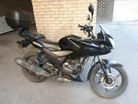 2015 Honda CBF 125cc 9k miles black with topbox