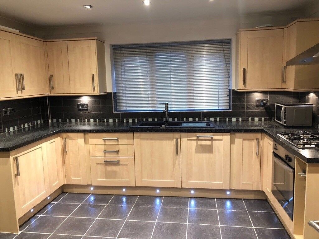 Amazing huge kitchen for sale with appliances rrp £15000