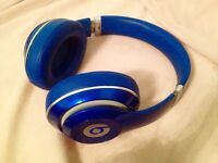 Beats Studio Headphones, working great, inlcudes case, cable, excellent sound
