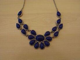 New Costume Jewelery necklace