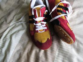 Men's trainers - size 8/Bradford City type colours