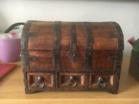 Vintage wooden jewllery chest drawer