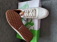 Ladies Adidas Golf Shoes Size 6.5