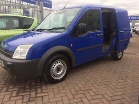 **REDUCED** 2005 55 FORD TRANSIT CONNECT FULLY PLYED WITH BULKHEAD DEAD LOCKS ON ALL DOORS low miles