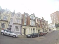 Spacious Top Floor 2 bedroom Flat