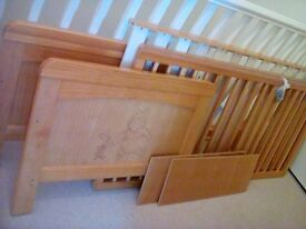 Cotbed Winnie the Pooh & Piglet Cot bed