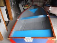 11ft Fibreglass Fishing Boat / Punt