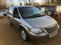 2005 CHRYSLER VOYAGER 2.4 SE PLUS SEVEN SEATER GOLD WITH DVD PLAYER