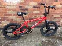 Boys BMX Diamond back Wicked BMX 10 inch frame mag wheels - can deliver YORK Free