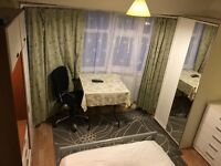 NICE ROOM TO RENT TO PROFESSIONAL LADY ( zone 4 Near Perivale station Central line )
