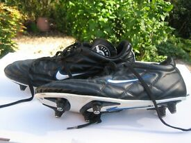 Mens Nike Tiempo football boots, good condition size 10