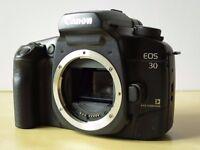 Canon EOS 30 / Elan 7E (eye control) 35mm SLR body with strap