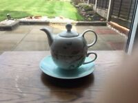 Laura Ashley teapot for one
