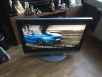Samsung 32in flat screen TV