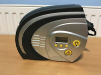 Halfords 12v Rapid Digital Tyre Inflator with light