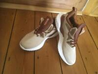 Brand New Dreamreal Trainers Size 6