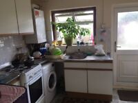Two bedroom ground floor flat uphall Road Ilford IG1 2JE To Let