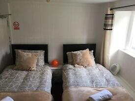 Room - No Bills - No References - No Admin Fees - Hot Tub - Wi Fi
