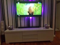 White high gloss tv unit! Immaculate condition!!