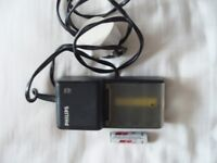 PHILLIPS NI - CAD AA BATTERY CHARGER