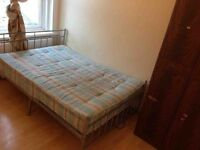 *BIILS INCLUDED* 1 Bedroom Flat 5 minutes walk to station