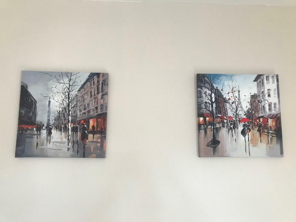 2x small Paris Canvases