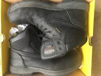 Dr Martens safety boots hardly used black size UK 11