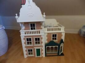 Large dolls house approx 3ft by 3ft,