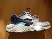 NIKE AIR HUARACHE UK6 WOLF GREY / WHITE - AQUATONE
