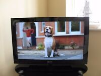 """Sony Bravia LCD 32"""" TV, Widescreen Full HD, Freeview with Alphason Black TV Stand"""