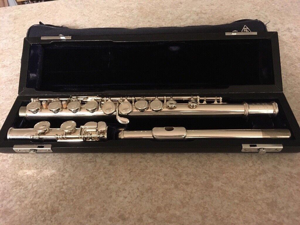 Trevor James 10x concert flute with case. Excellent condition.