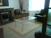 double room, posh &clean, internet available, includes bills, excellent location & transport links
