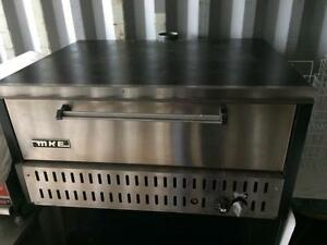 Commercial Gas Pizza Oven w/ Pizza Stones