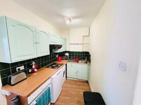 ***PART DSS IS OK, 4 BEDROOM FLAT/ TOOTING/ **BALCONY**WOW***4 BED FLAT TOOTING BEC****