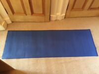 Classic blue non-slip yoga mat Ruth White Yoga 180x60cm excellent barely used condition + washable.