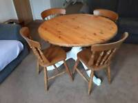 Round farmhouse dining table and 4 chairs - solid pine