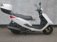Practically brand new Yamaha xc 125 e Vity, just clocking 271 miles from new, not even run in yet.