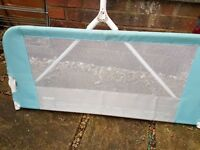 Blue lindam bed guard, perfect condition