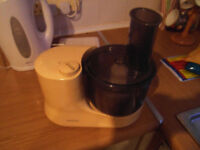 Kenwood FP101T Mini Food Processor Excellent Condition From Smoke-Free Pet-Free Home