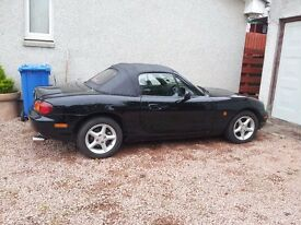 Mazda MX-5 Black Covertible Soft Top X-Reg