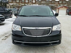 2016 Chrysler Town & Country Touring-L Dual DVD Sunroof Leather