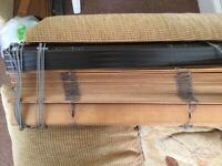 Free wooden slatted blinds