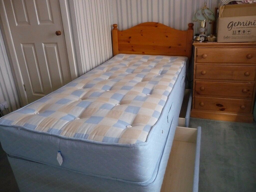 Bed 3ft with Pine wood headboard. Hardly used, Very good condition.