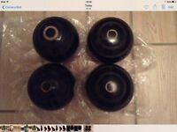 Thomas Taylor size 4 bowls